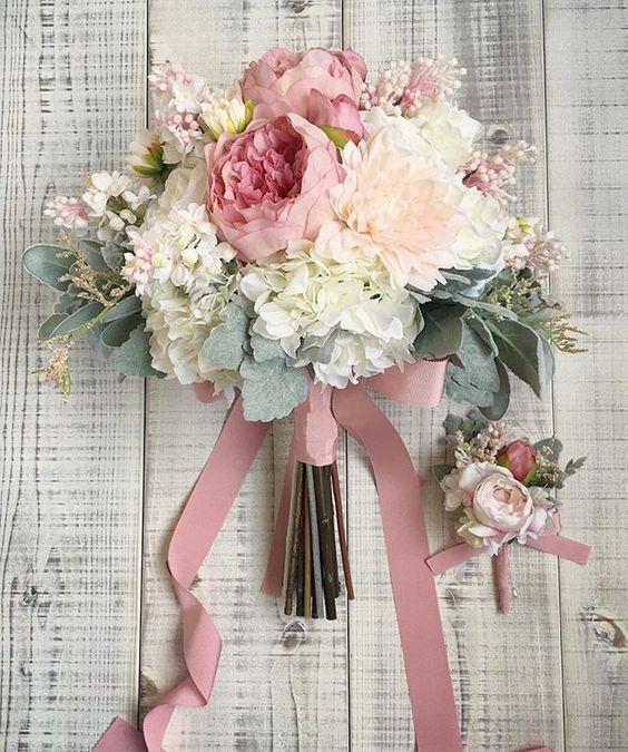 Idee Bouquet Sposa.Idee Per Il Bouquet Da Sposa 2019 Vita Fiorelli Wedding Planner
